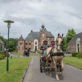 kasteel Cannenburch en rijtuigen