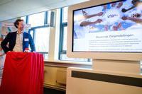 Charles Wijnker opent de vernieuwde website