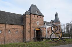 ampersand voor kasteel Doorwerth